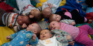 infants play group